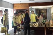 In the history museum in Macau, the docent has introduced the historical development of Macau with relevant exhibits.