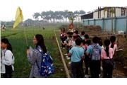 Students learnt the production process and the application of organic farming technology.