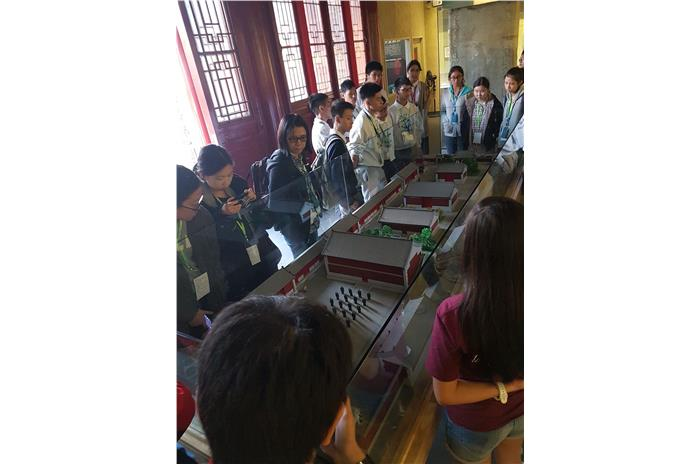 Students were visiting the Dazhong Temple Ancient Bell Museum